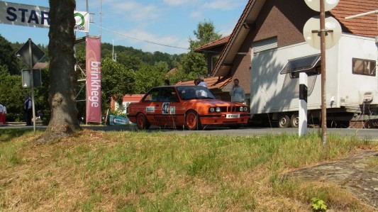 BMW E30 318 is